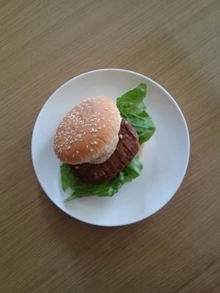 マルシン3種のチーズ入りハンバーグ&ハンバーガー4