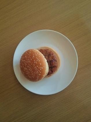 伊藤ハムテリヤキハンバーグ網目焼き(ハンバーガー、チーズバーガー)3