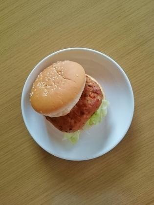 マルシン豆腐と鶏肉のハンバーグ(バーガー・ドッグ)2