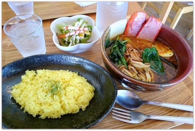 青森県 弘前市 中三弘前店 スープカレー キャンディスパイス ランチ グルメ 写真