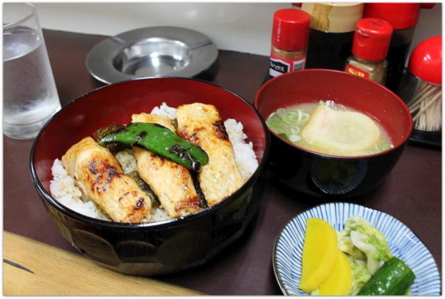 青森県 弘前市 本町 焼き鳥 たかやん グルメ 写真 つくね丼