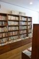 170809 LondonBooks 棚 右壁面