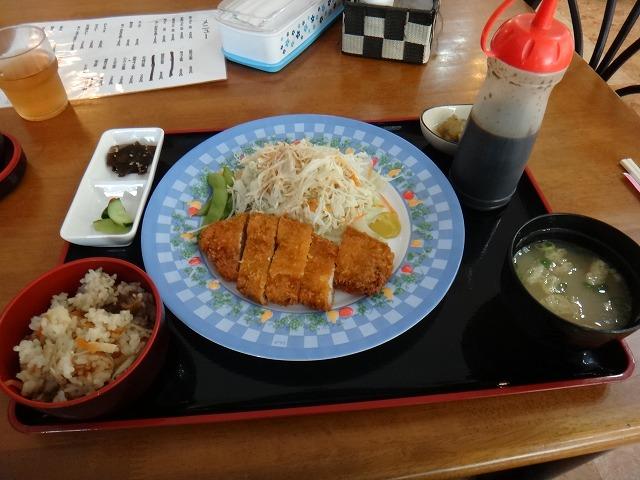 s-11:38豚カツ定食