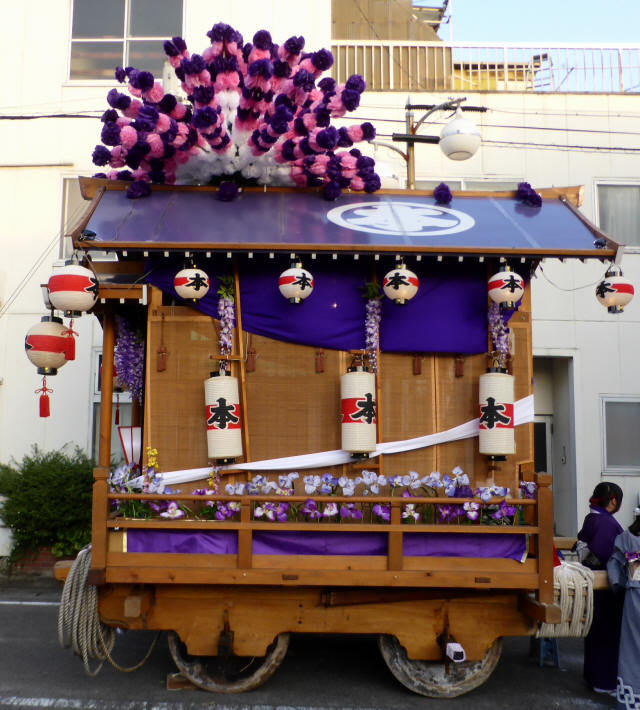 本町の花車2
