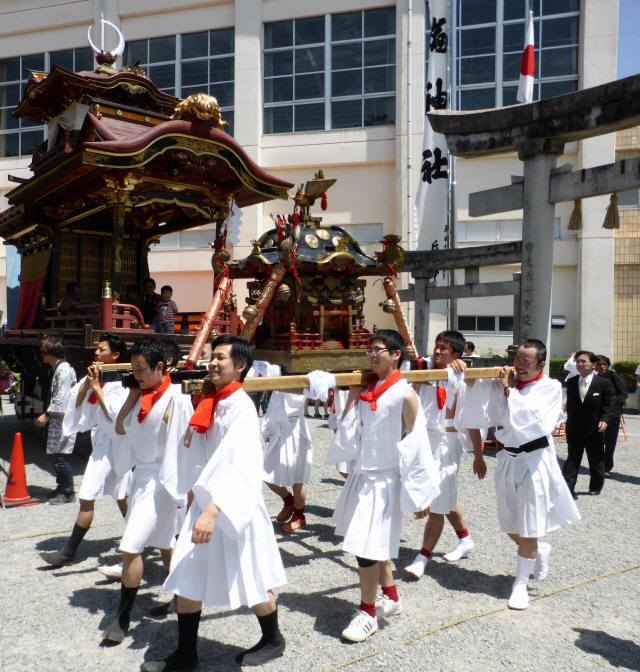 三輪神社例大祭と神輿7