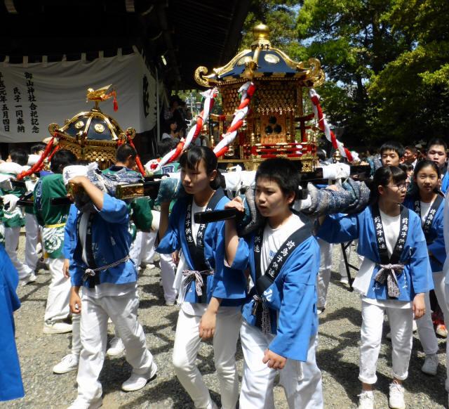 三輪神社例大祭と神輿9