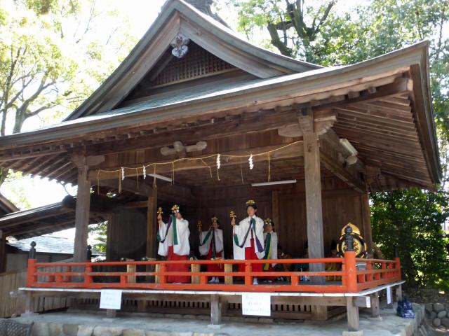 三輪神社例大祭と神輿2