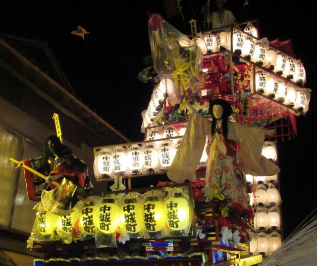 中城町の山鉾c