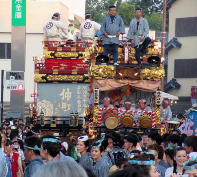 成田山交道会の山車4