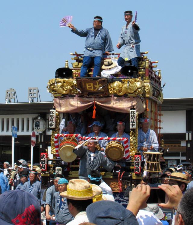 成田山交道会の山車3
