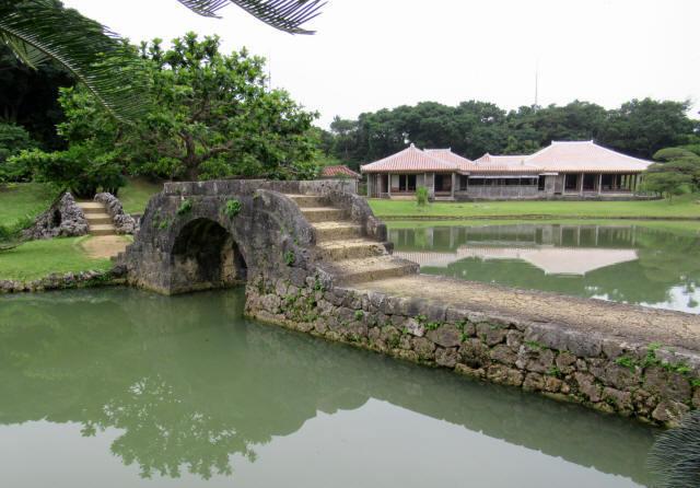 識名園大石橋4