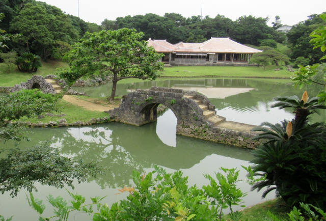 識名園大石橋5