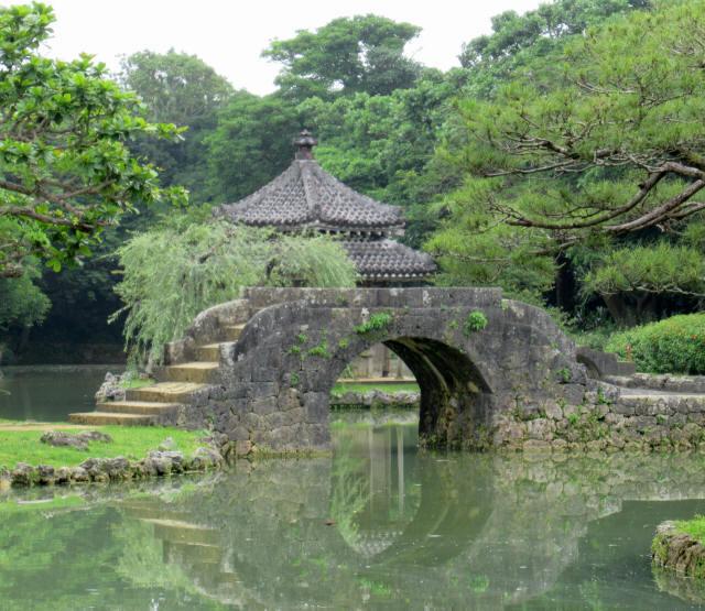 識名園大石橋6