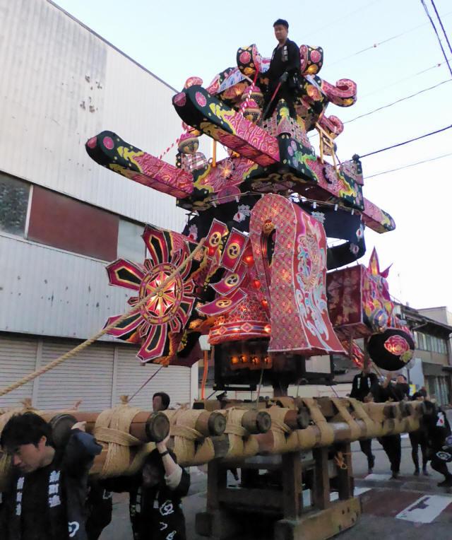 新町「御神輿」4