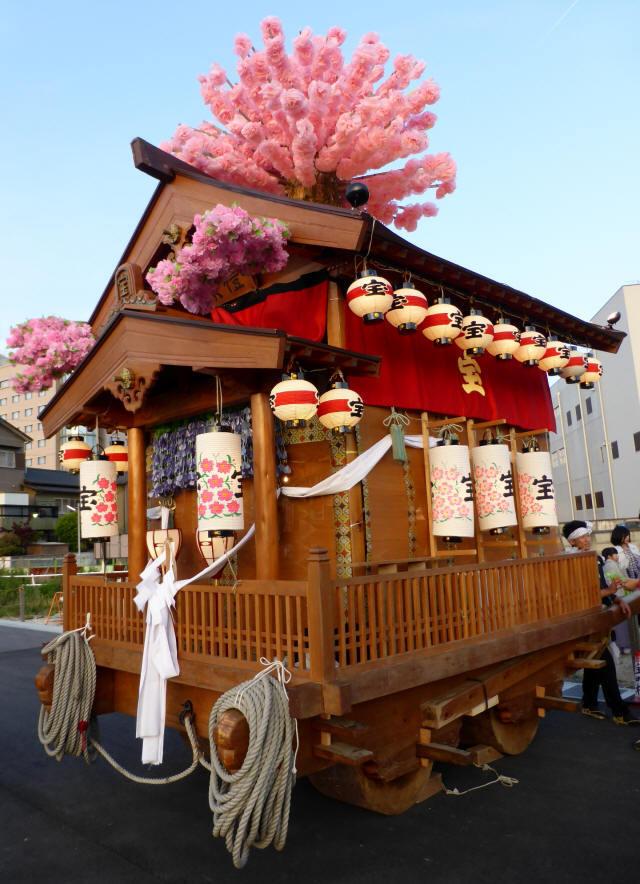 宝町の花車3