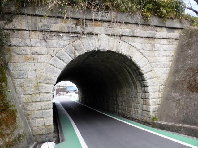 由良谷川隧道3