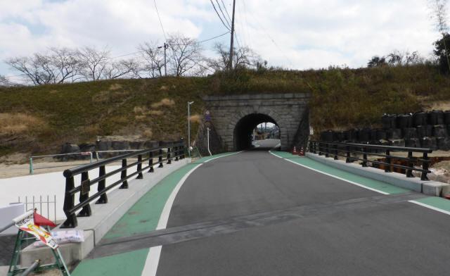 由良谷川隧道8