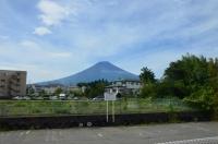 富士急ハイランド駅先の富士山170825