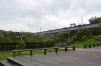 右側には旧山線鉄橋170525
