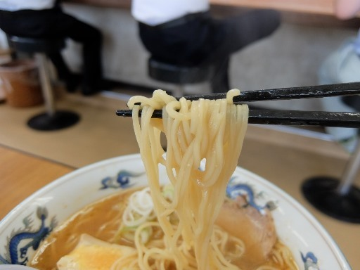ストレートの中麺