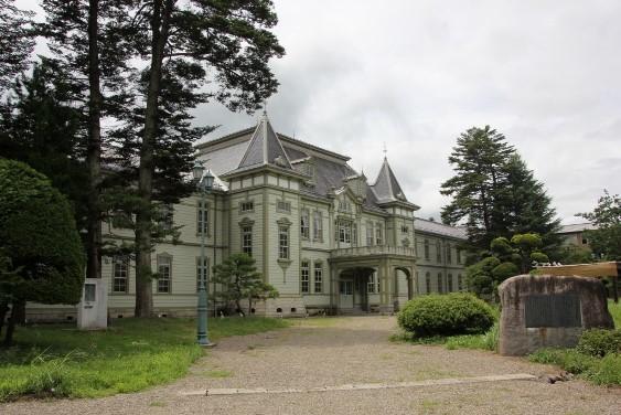 米沢高等工業学校本館