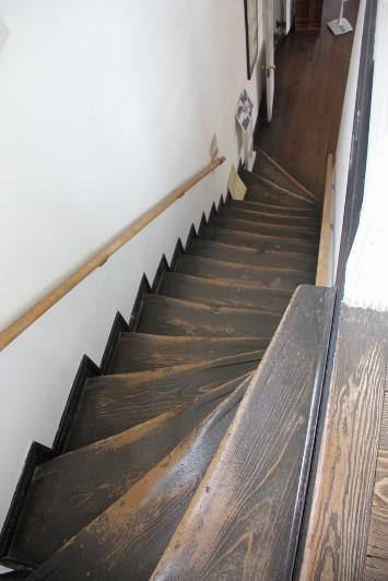 すり減った階段