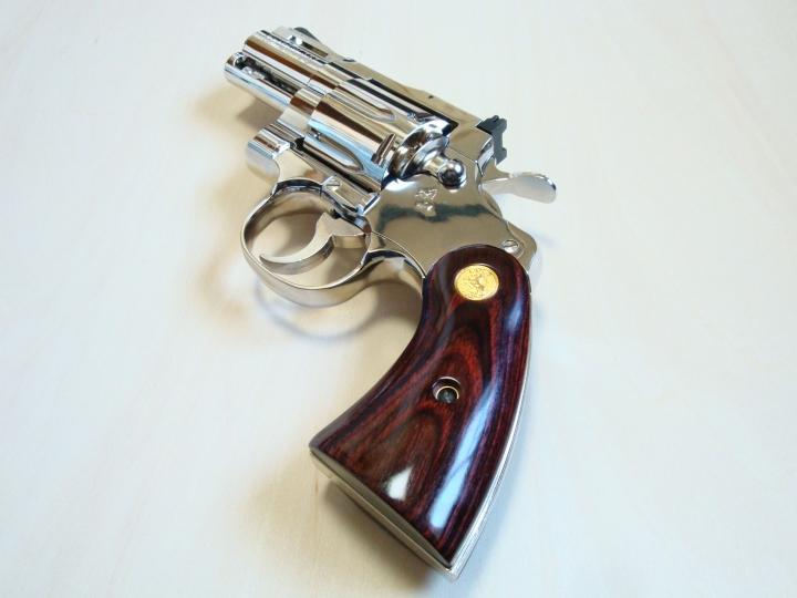 [タナカ]コルト パイソン 2.5インチ R-model ニッケルフィニッシュ