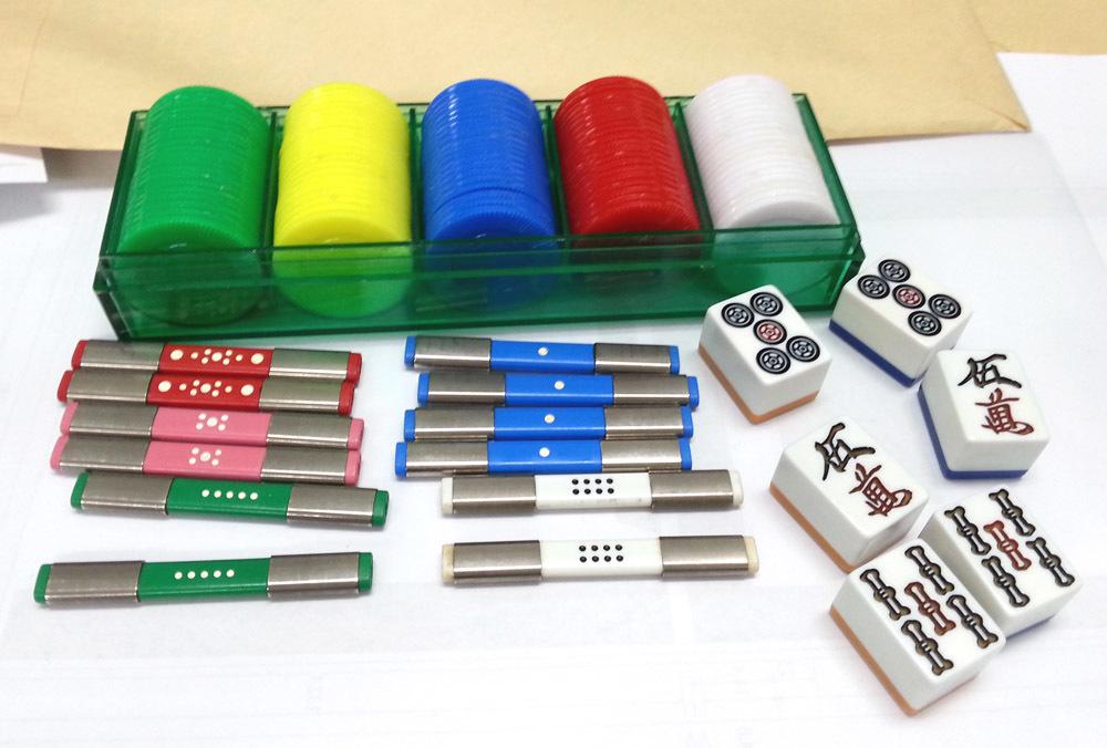 ポーカーチップ、点棒、五牌