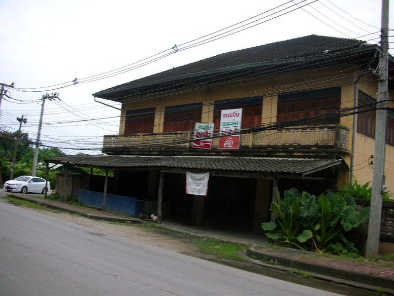 古びた民家酒店