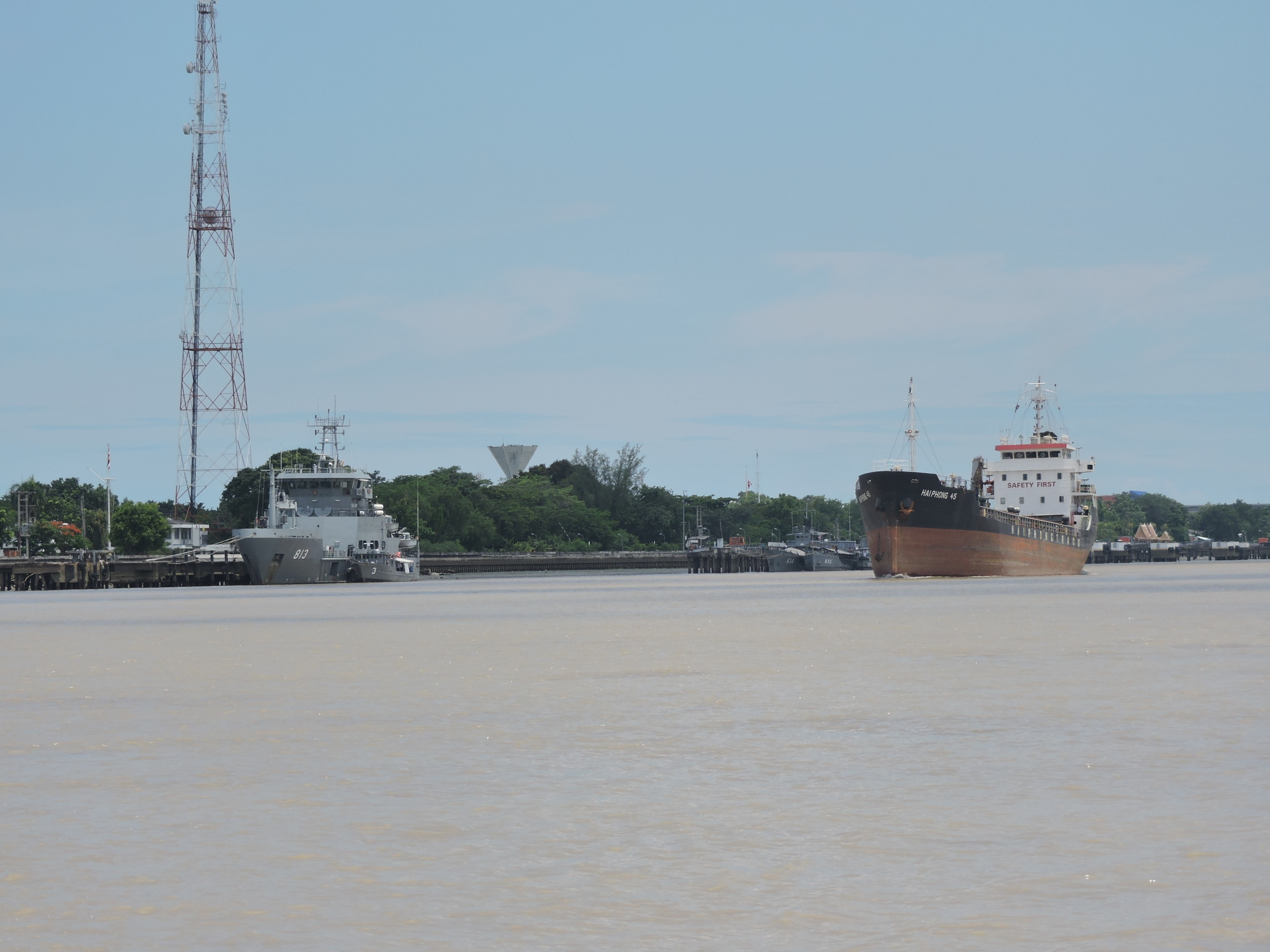 川沿いー1