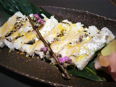 太刀魚押し寿司2 (2)