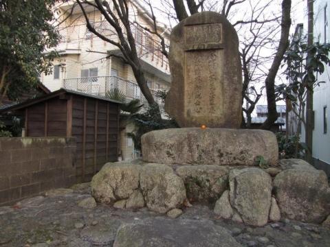 安倍川の義夫の碑