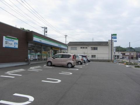 ファミリーマート西海樫浦店