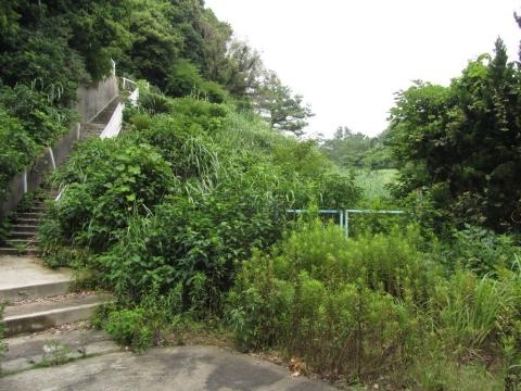 第二立坑通勤用階段とゴルフ場跡