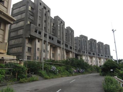8階建てアパート