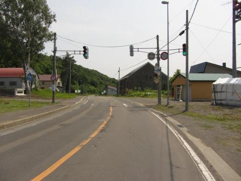 国道275号 幌成小学校前
