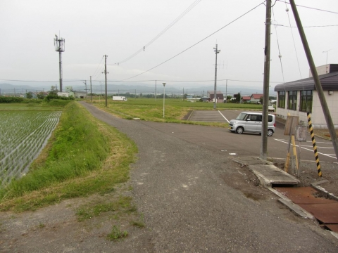 鶴沼駅前通り