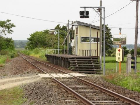 水野作場踏切と於札内駅