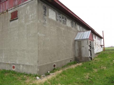 石狩橋本駅跡付近の農業倉庫