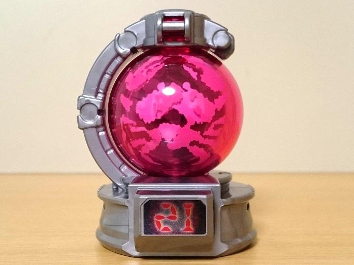 特撮蟹座玩具 カニキュータマ