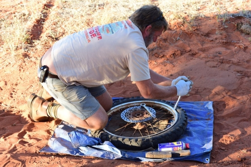 20160930_165708_Day8_MaryvaleRoad_BushCamp_Maintenance.jpg