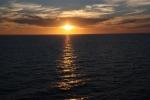 2.礼文島沖の夕日-12D 1707q