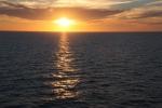 3.礼文島沖の夕日-15D 1707q