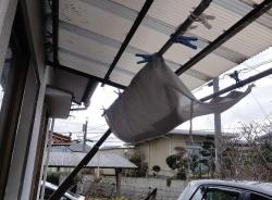 台風対策~テラスの雨よけカーテン巻き上げ
