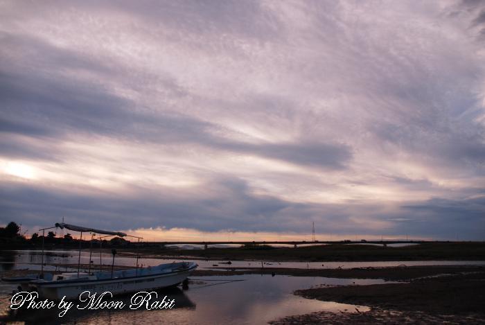 新加茂川大橋と雲