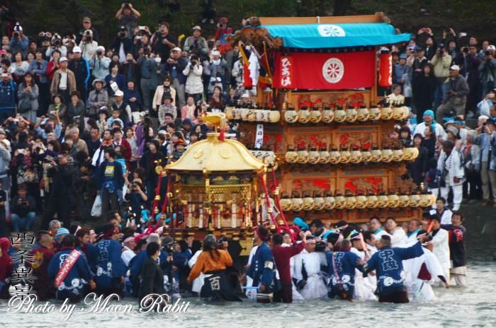 伊曽乃神社神輿 川入り