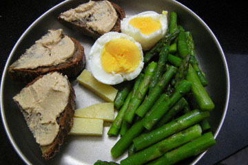 blog CP1 Cooking, Dinner, Asparagus, Boiled Egg, Cheese, Walnut Bread with Tahini_DSCN4145-3.15.17.jpg