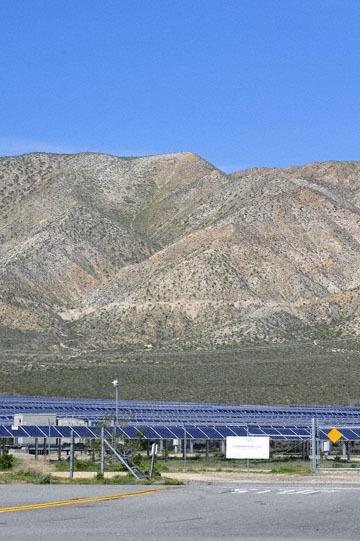 blog 12 Mojave, CA to Beatty, NV, CA 14N near Mojave, Solar Farm 2_DSC7071-3.20.17.jpg