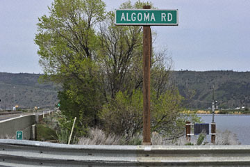 blog 45 Weed to Prineville 97E-126E, Lower Klamath Lake, Mt. McLaughlin, Algoma Road, CA_DSC0256-4.26.16.jpg