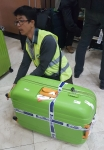 ジャカルタ空港・スーツケース封印